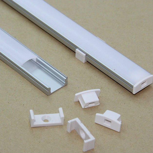 Profilo alluminio 2mt parete completo di accessori gigra for Luci led leroy merlin