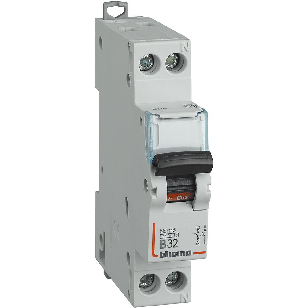 interruttore magnetotermico - BTICINO LEGRAND F881NA/32