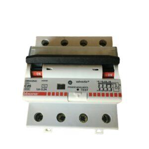 Interruttore Magnetotermico Differenziale AC 4P 16A 6KA 300MA 4MD - BTICINO LEGRAND G8844/16AC