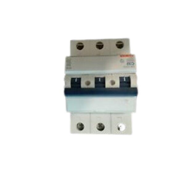 Interruttore Magnetotermico 3 Poli C40 4500 - COD. HERD671937