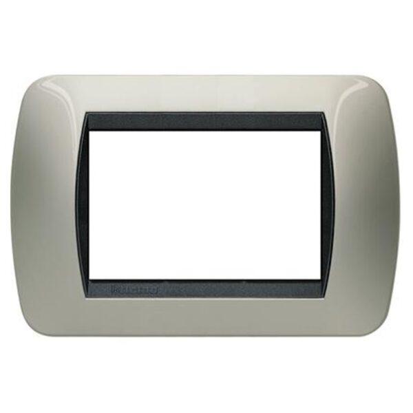 placca a tre moduli di colore titanio chiaro - BTICINO LEGRAND L4803TC